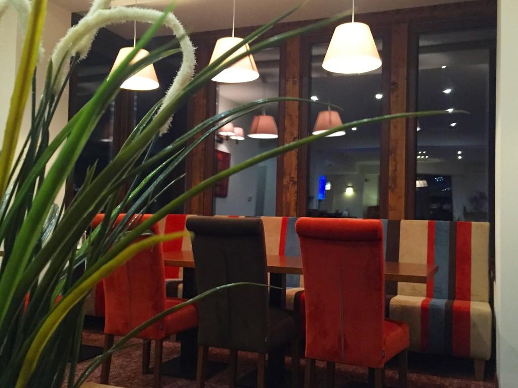 Restaurant-3 (1)