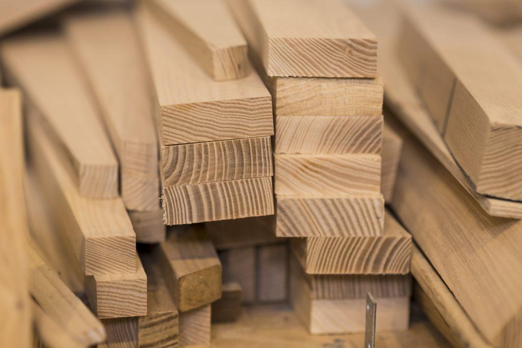 Lemn masiv pentru mobilier Horeca Trend Furniture